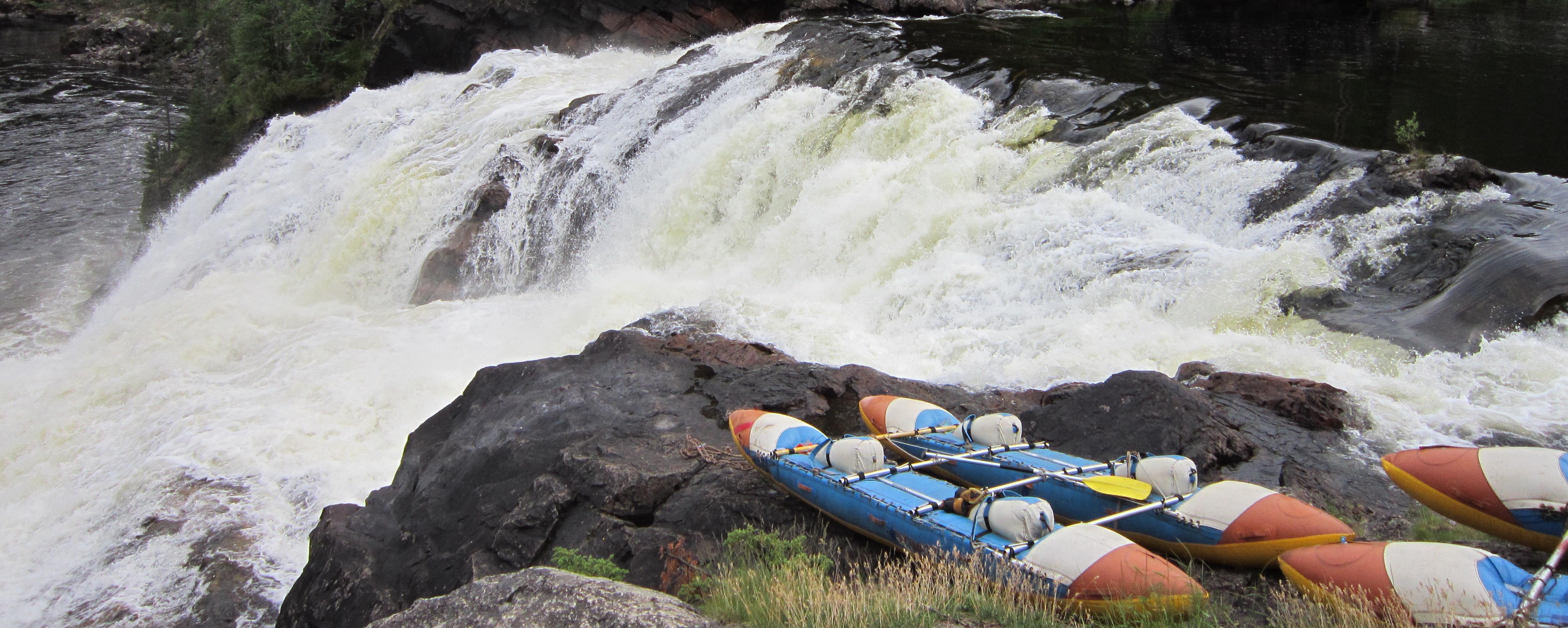 <span>Насладитесь красотой карельской природы, богатой реками и озёрами.</span>