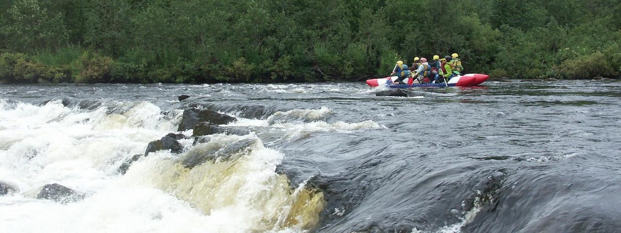 """<span>Вода, драйв и верные товарищи в одной """"лодке"""" - вот слагающие отличного отдыха!</span>"""